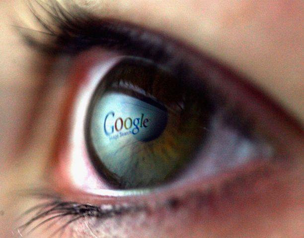 Google ja Yahoo saattavat haastaa Microsoftin.