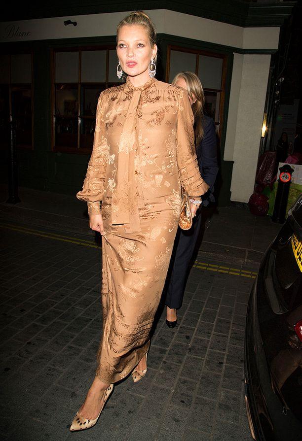 Kate pukeutuu juhliin usein vintage-tyyliin.