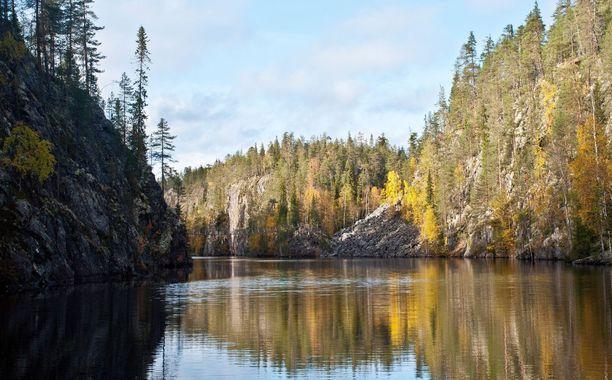 Kanjonijärvi Julma-Ölkky on Hossan tunnetuimpia paikkoja.