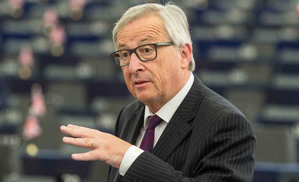 -On suorastaan turhaa tulla tähän saliin, Juncker sanoi.