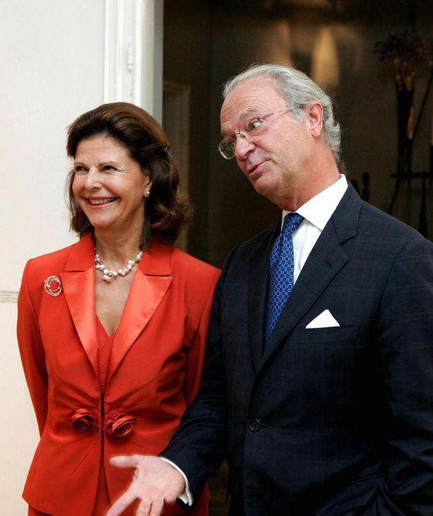 Silvia ja Kaarle Kustaa kertoivat odottaneensa kovasti lapsenlapsen syntymää.