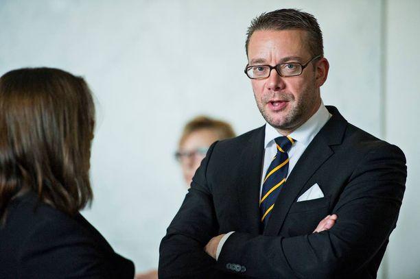 Stefan Wallin on RKP:n entinen puheenjohtaja ja nykyinen kansanedustaja.