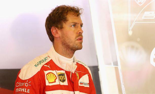 Sebastian Vettel menetti täysin malttinsa Meksikon GP:ssä.