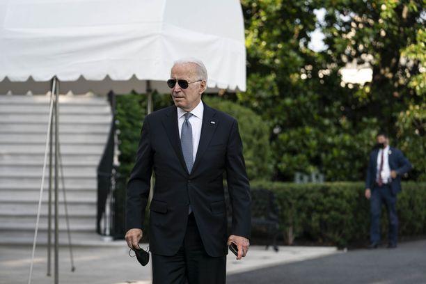 Biden kommentoi asiaa perjantaina poistuessaan Valkoisesta talosta viikonlopun viettoon.