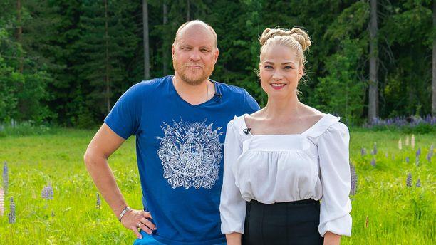 Kalle Palander ja Pippa Laukka eivät välittömästi löydä yhteistä säveltä.
