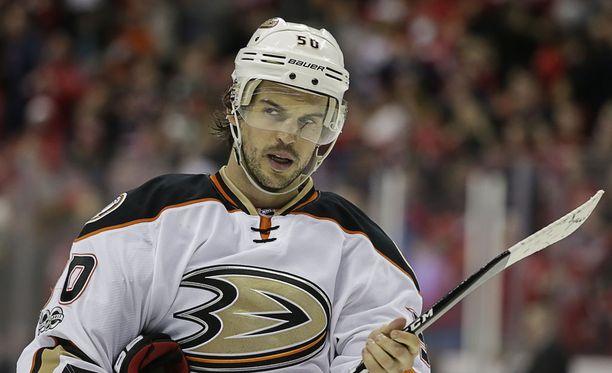 Antoine Vermette on pelannut NHL:ssä lähes tuhat ottelua ja tehnyt 493 (219+274) pistettä.