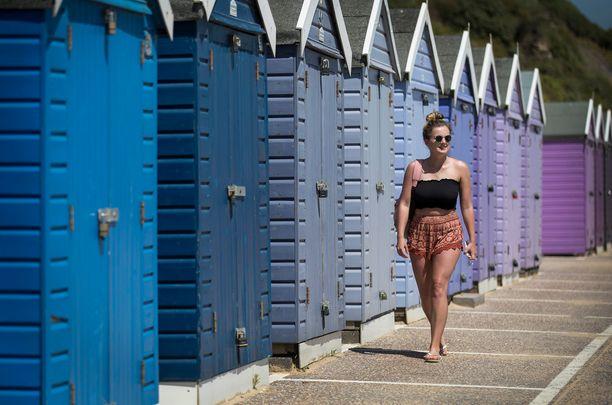 Pastelliväriset pukukopit kuuluvat Bournemouthin rantamaisemaan.