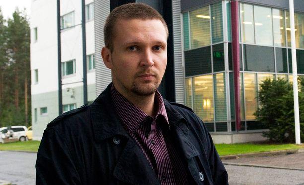 Microsoftin Tampereen pääluottamusmies Kalle Kiili ihmettelee miksi yhtiö lakkauttaa toiminnan, juuri kun uusia puhelimia suunniteltiin kovaa vauhtia.