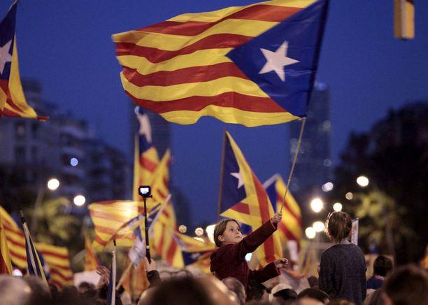Kataloniassa on ollut levoton loppuvuosi. Kansanäänestyksen myötä alueella on ollut useita mielenosoituksia.