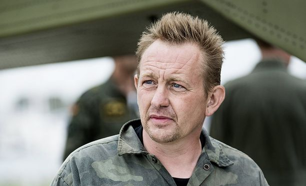 Maastohaalariin pukeutunut Peter Madsen kertoi heti pelastamisensa jälkeen, että sukellusveneen painolastitankkiin tuli vika.