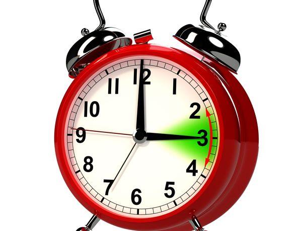 Suomi pyrkii nopeuttamaan kellojen siirtelystä luopumista, Lännen Media uutisoi.