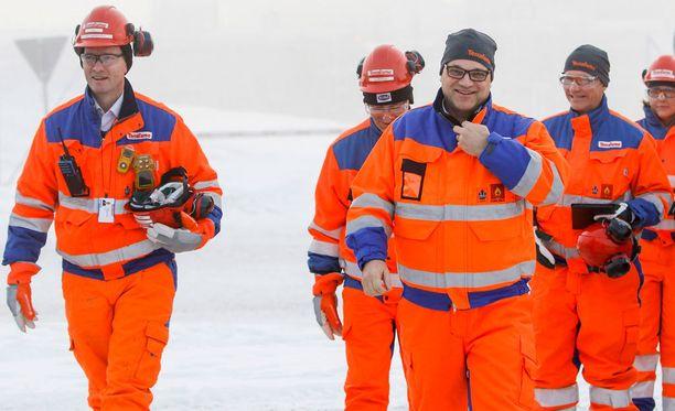 Pääministeri Juha Sipilä vieraili Terrafamen nikkelikaivoksella Sotkamossa maanantaina. Sipilällä oli päässään Terrafame-pipo, joka herätti närää oppositiossa.