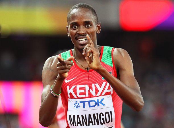 Elijah Motonei Manangoi juhli MM-kultaa Lontoossa 2017.