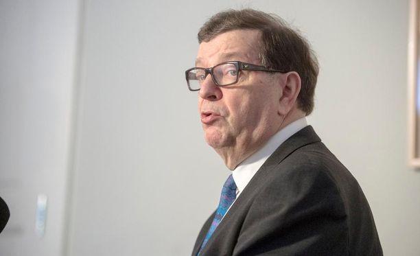 Paavo Väyrysen kansalaisaloite oli puutteellinen ja heikosti valmisteltu, sanoo perustuslakivaliokunta.