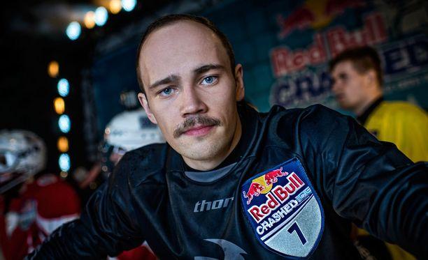 Paavo Klintrup tavoittelee palkintopallisijaa viikonlopun Crashed Ice -kisassa.