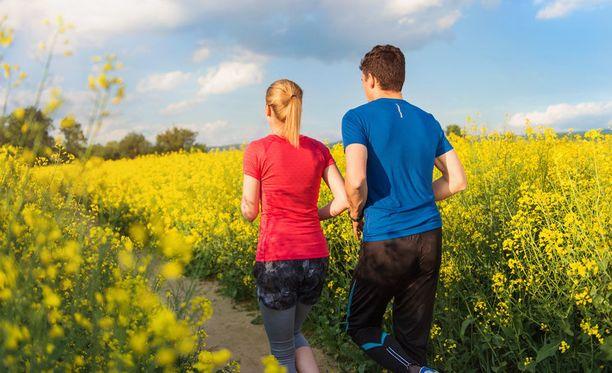 Aloita liikunta esimerkiksi lyhyillä kävelylenkeillä tai hölkällä.
