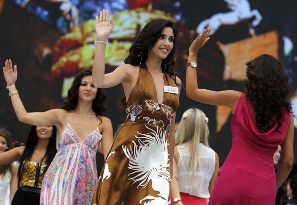 Kuvassa hallitseva Miss Italia Jessica Bellinghieri, joka edustaa parhaillaan maataan Miss Maailma -kilpailussa Kiinassa.