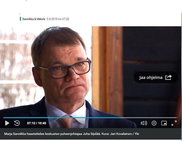 Juha Sipilä liikuttui Ylen haastattelussa.