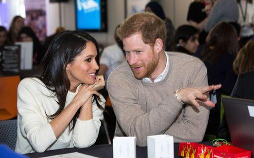 Prinssi Harry ja herttuatar Meghan antoivat massapotkut työntekijöilleen Britanniassa - vahva merkki siitä, etteivät palaa