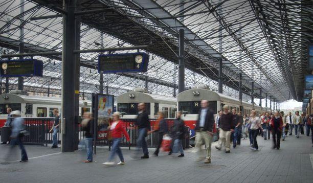 Asemalaiturit katettiin vuonna 2000.