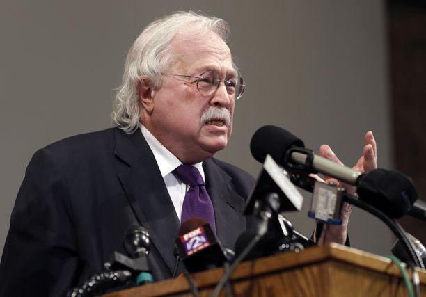 Michael Baden, 85, on tutkinut muun muassa John F. Kennedyn salamurhaa.