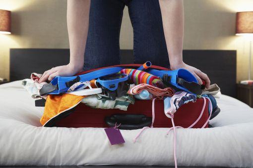 Survomista on vähemmän, kun jättää turhat tavarat kotiin.