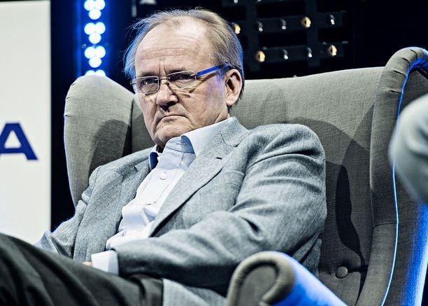 Koneen ja Sanoman suuromistaja Antti Herlin ehdotti Niinistölle tapaamista Helsingin Sanomien sotilastiedustelujutun jälkeen.