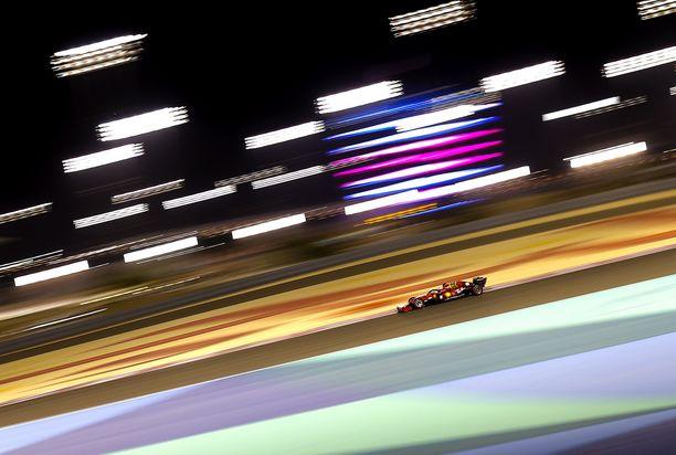 Vauhtiaan roimasti parantanut Ferrari laittaa kaikki paukut ensi kauteen.