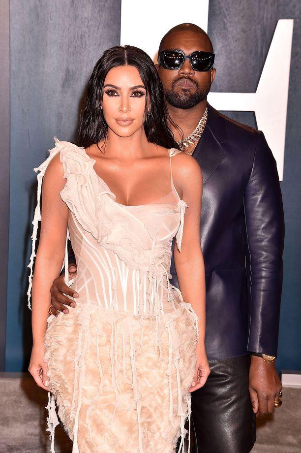 Kanye West on naimisissa tosi-tv-tähti Kim Kardashianin kanssa.