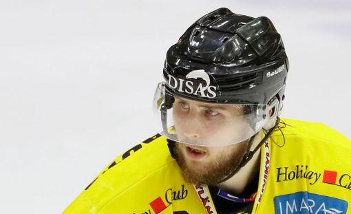 Ilveksen Mikael Kuronen edusti viime kaudet SaiPaa.