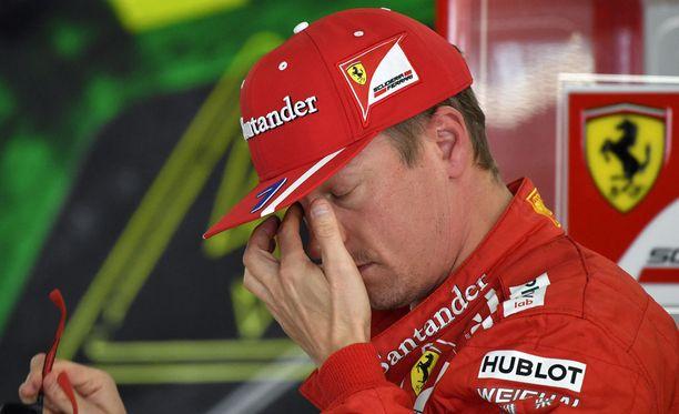 Kimi Räikkönen pettyi pahasti Japanin GP:n aika-ajossa.