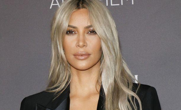 Kim Kardashianin kolmas lapsi syntyy sijaissynnyttäjän avulla.