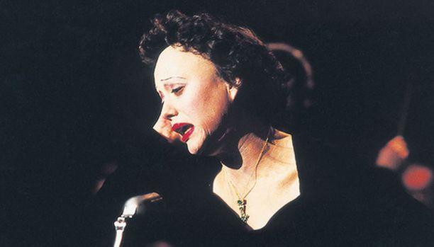 Edith Piaf eli yhtä väkevästi kuin lauloi.