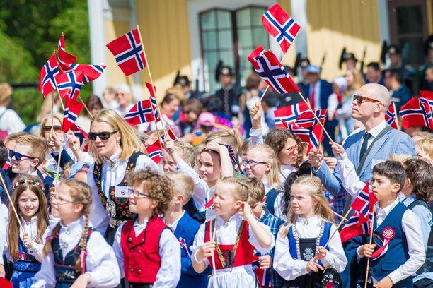 Norjassa ei nähdä perinteistä lasten marssia kansallispäivänä.