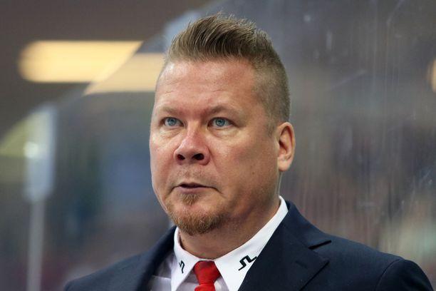 Jarno Pikkaraisen kysymyksessä oli havaittavissa sarkasmia.