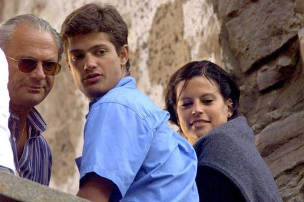 Prinssi seurusteli lähes vuosikymmenen Emma Pernaldin kanssa. Pariskunta kuvattiin kesällä 1999.