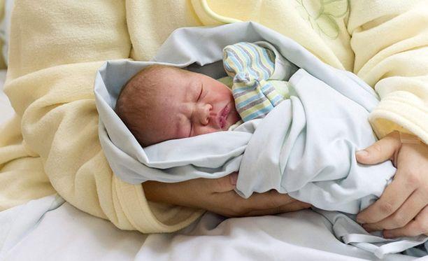 Terve vauva syntyi ennen seitsemää sunnuntaina.