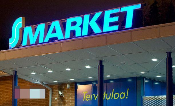 S-marketista muistutettiin, että asiakkaan iän arvioiminen on haastavaa ja riippuu myyjän tulkinnasta. Kuva ei ole Maunulan S-marketista.