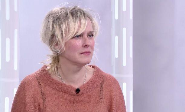 Näytttelijä-ohjaaja Leea Klemolan mukaan Louhimiehen ehdottamassa roolissa olleet alastonkohtaukset olivat perusteettomia.