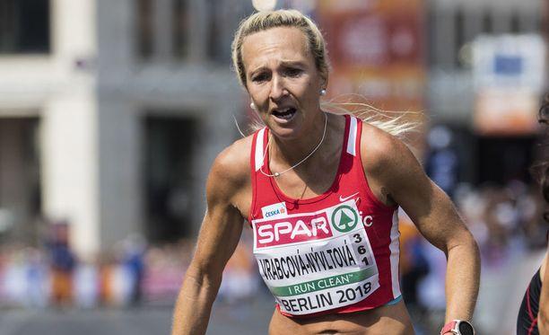 Tshekin Eva Vrabcova-Nyvltova otti komeasti EM-pronssia naisten maratonilla.