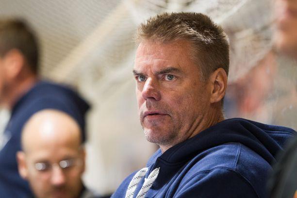 Raimo Helminen on Nuorten Leijonien uusi luotsi, vahvisti Jääkiekkoliitto eilen.