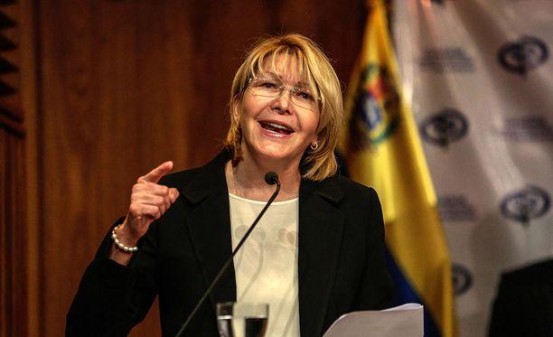 Venezuelan vastavalittu edustajisto on ensimmäisenä tekonaan erottanut presidentti Nicolas Maduroa arvostelleen pääsyyttäjä Luisa Ortegan.