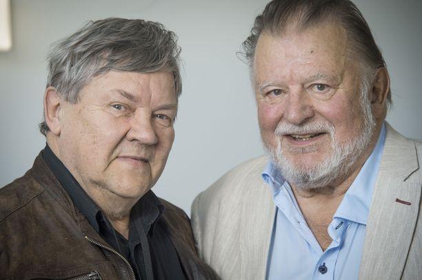 Näyttelijät Juha Muje ja Esko Salminen olivat ystäviä viimeiseen asti. Salmiselle uutinen ystävän kuolemasta tuli shokkina.