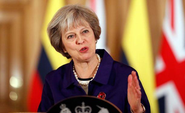Theresa Mayn mukaan Britannian parlamentin ei tule jarrutella maan eroa EU:sta.