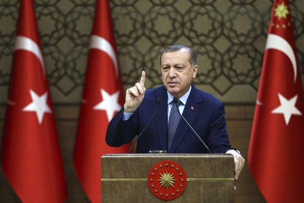 Presidentti Recep Tayyip Erdogan haluaa kaikkien osapuolten kunnioittavan tulitaukosopimusta.
