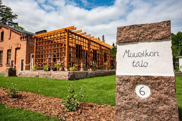 Miehistösauna on alun perin venäläisten rakentama. Pioneeripuisto on valtakunnallisesti merkittävä rakennettu kulttuuriympäristö, jonka vanhat varuskuntarakennukset ovat saaneet uuden elämän uniikkeina asuntoina ja liiketiloina.
