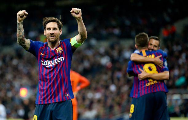 Leo Messi viimeisteli hienon voittomaalin Wembleyllä.