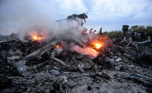 Hollantilaismedia sanoo löytäneensä todisteen siitä, että BUK-ohjus pudotti Malaysia Airlinesin matkustajakoneen.