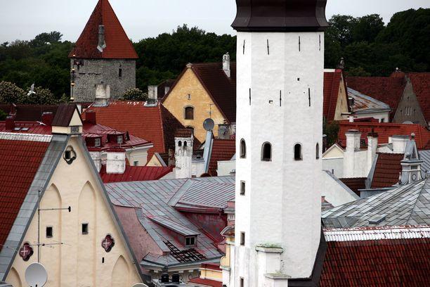 Viron keskuspankin mukaan suomalaisten Virossa käyttämä rahasumma kasvoi viime vuonna, kun suomalaisen Kaupan Liiton mukaan Viroon jätetty rahapotti on pienentynyt vuosi vuodelta. Kuva Tallinnasta.