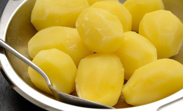 Keitetyt perunat ovat terveellistä ruokaa.